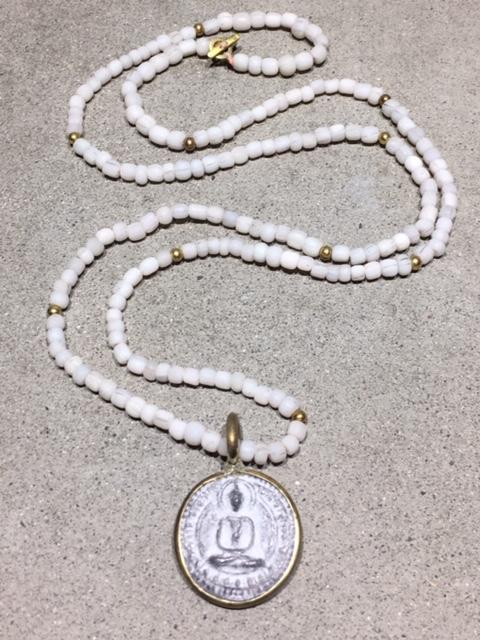 icon halsband buddha